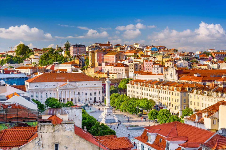 colorful-cities-lisbon
