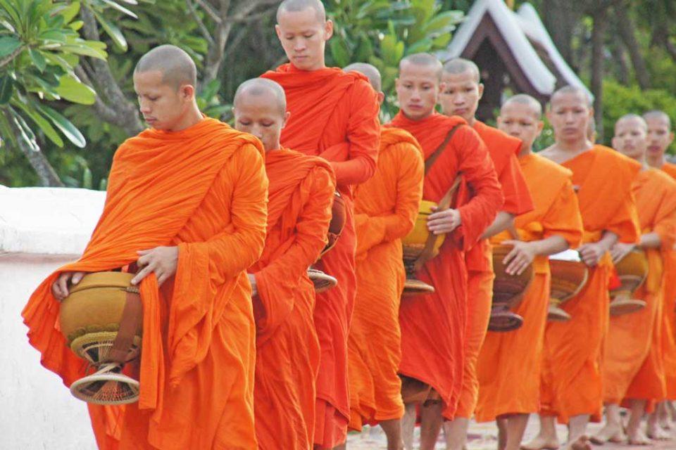 luang prabang monks alms