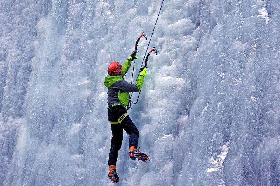 nepal-ice-climbing