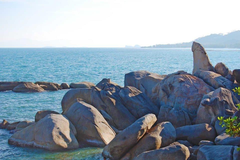 samui-rocks