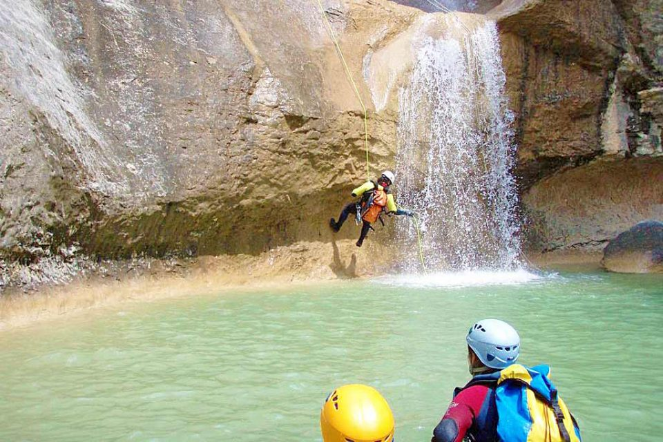 spain-holiday-canyoning
