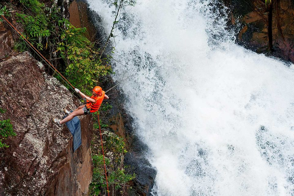 vietnam-adventures-canyoning