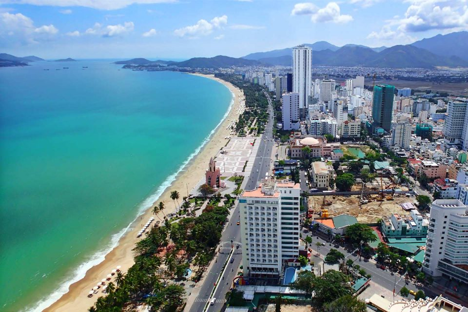 how to get to nha trang from danang