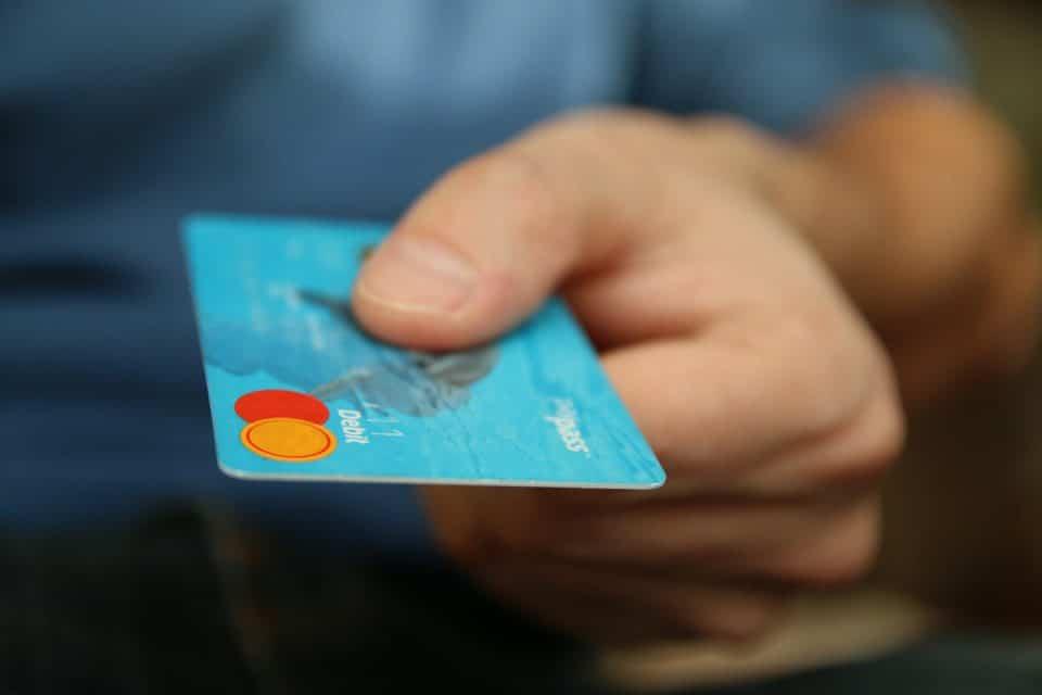 20-travel-hacks_creditcard