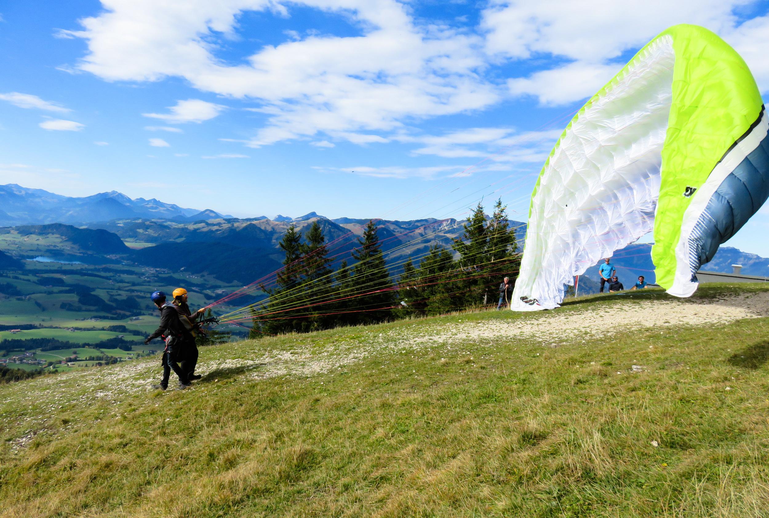 paragliding italy tuscany