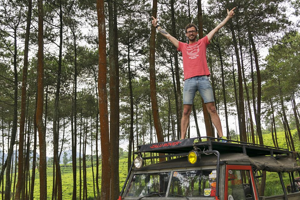 4WD off-raod Bandung Indonesia - Standing on truck