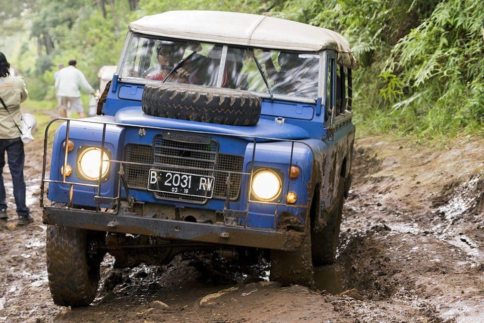 4WD off-raod Bandung Indonesia - Trucks