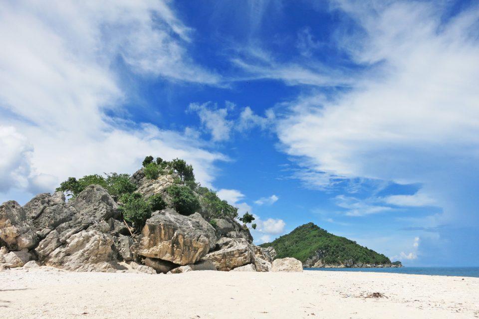island hopping philippines gigantes