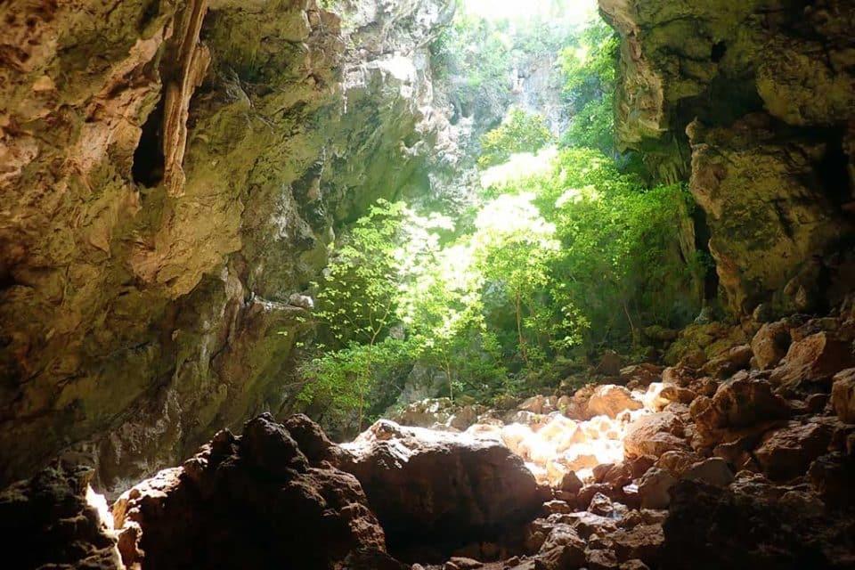 Sam Roi Yot Sai Cave