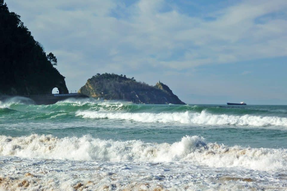 zarautz surfing spain