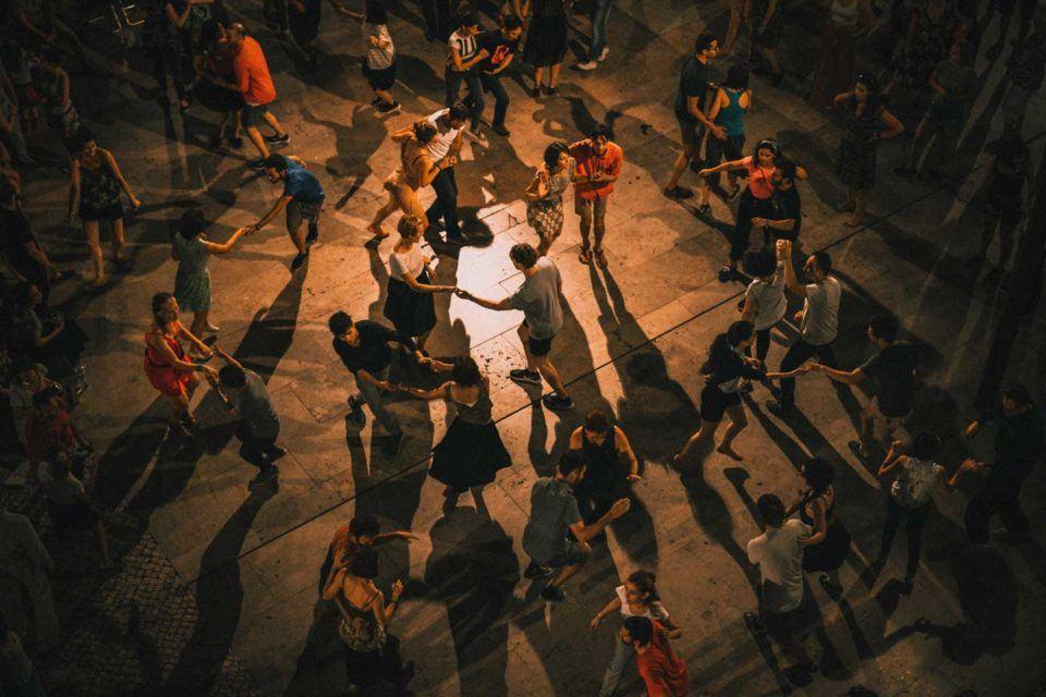 barcelona-dancing