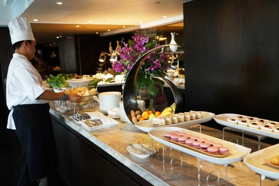 club lounge royal orchid sheraton review