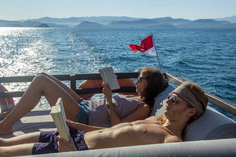 komodo-dive-boat