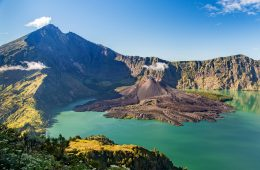 mount rinjani indonesia