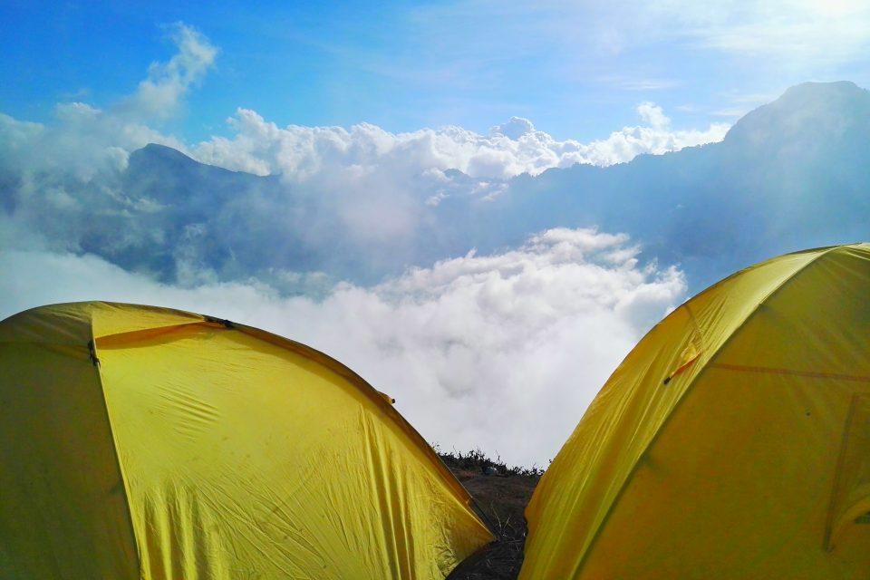 camping rinjani indonesia