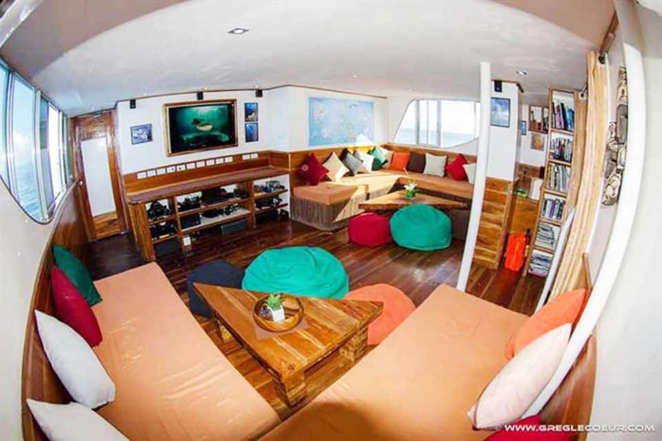 seadoors-deck