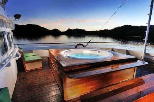 solitude-one-deck
