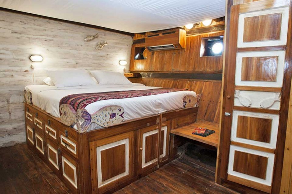 tiger-blue-rooms liveaboard raja ampat