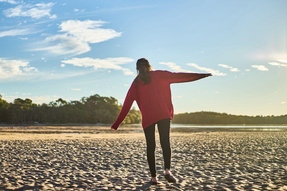 woman-lessons-beach