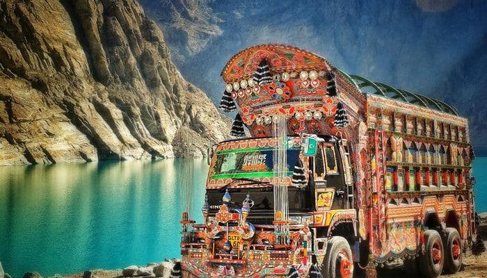 pakistan unusual traveler