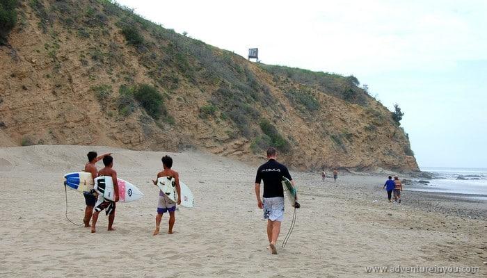 surfing in ecuador