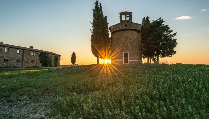 sunset tuscany