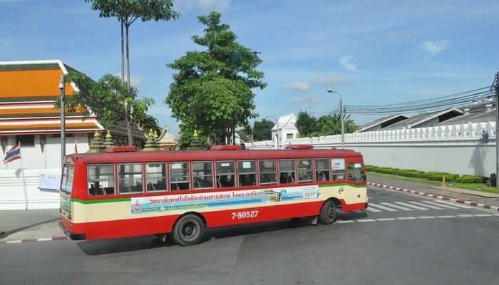 buses bangkok to chiang mai