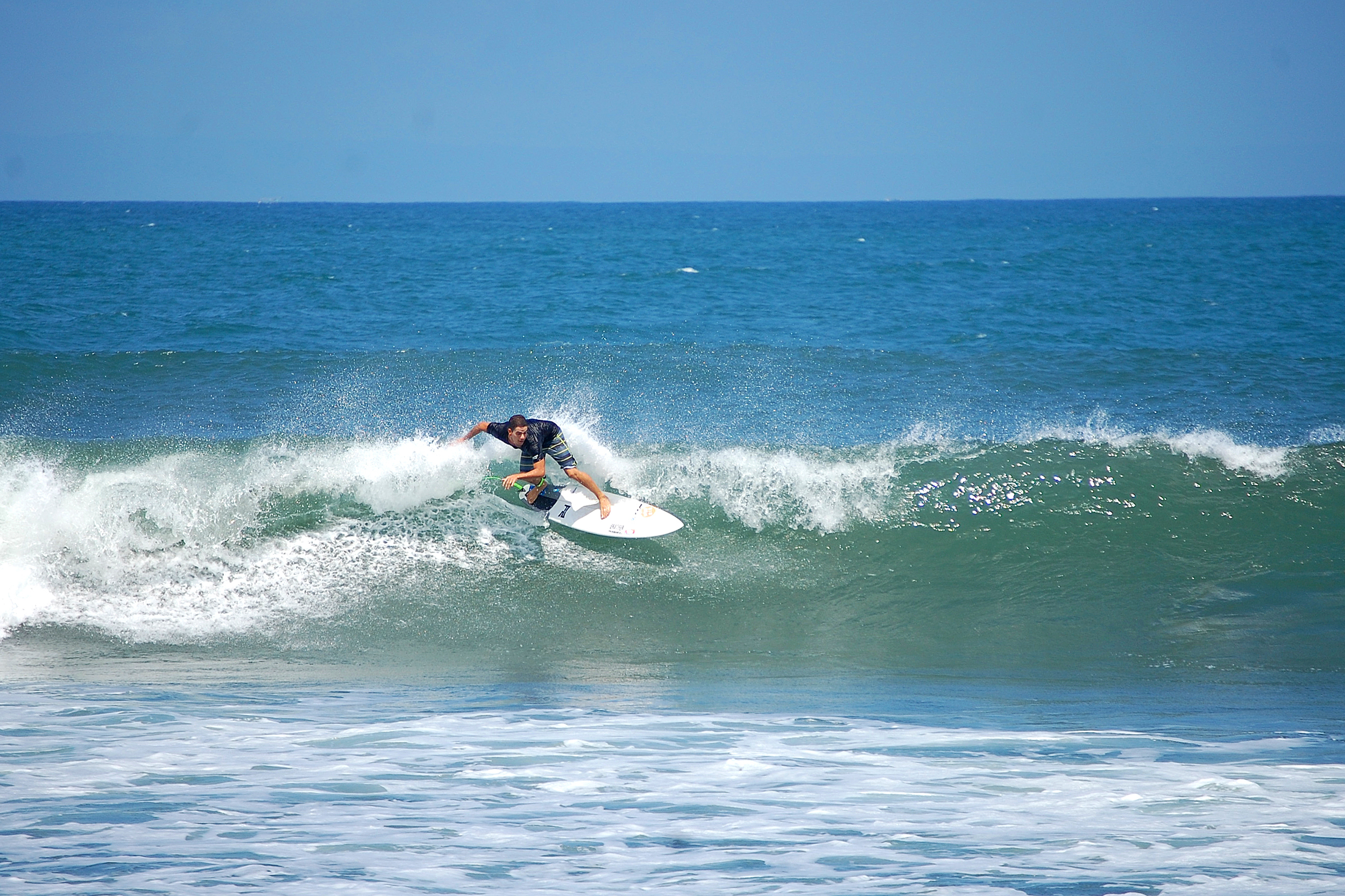b733df5800 Awesome Surfing in Medewi
