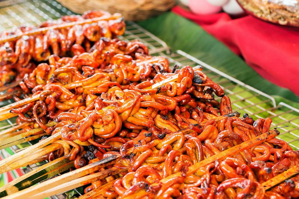Top 5 Strangest Filipino Street Food