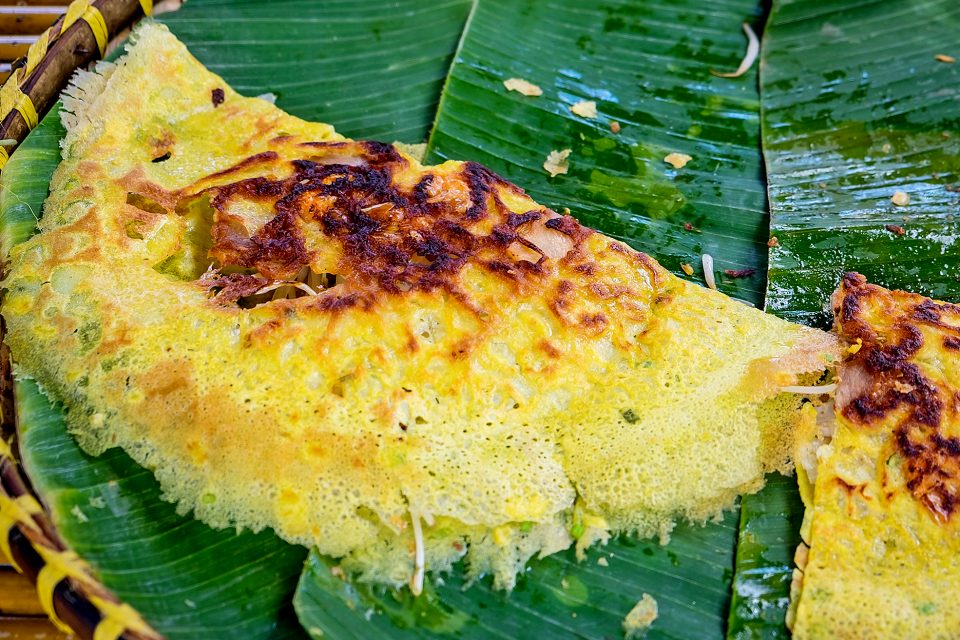 A Vietnamese omelette on a banana leaf