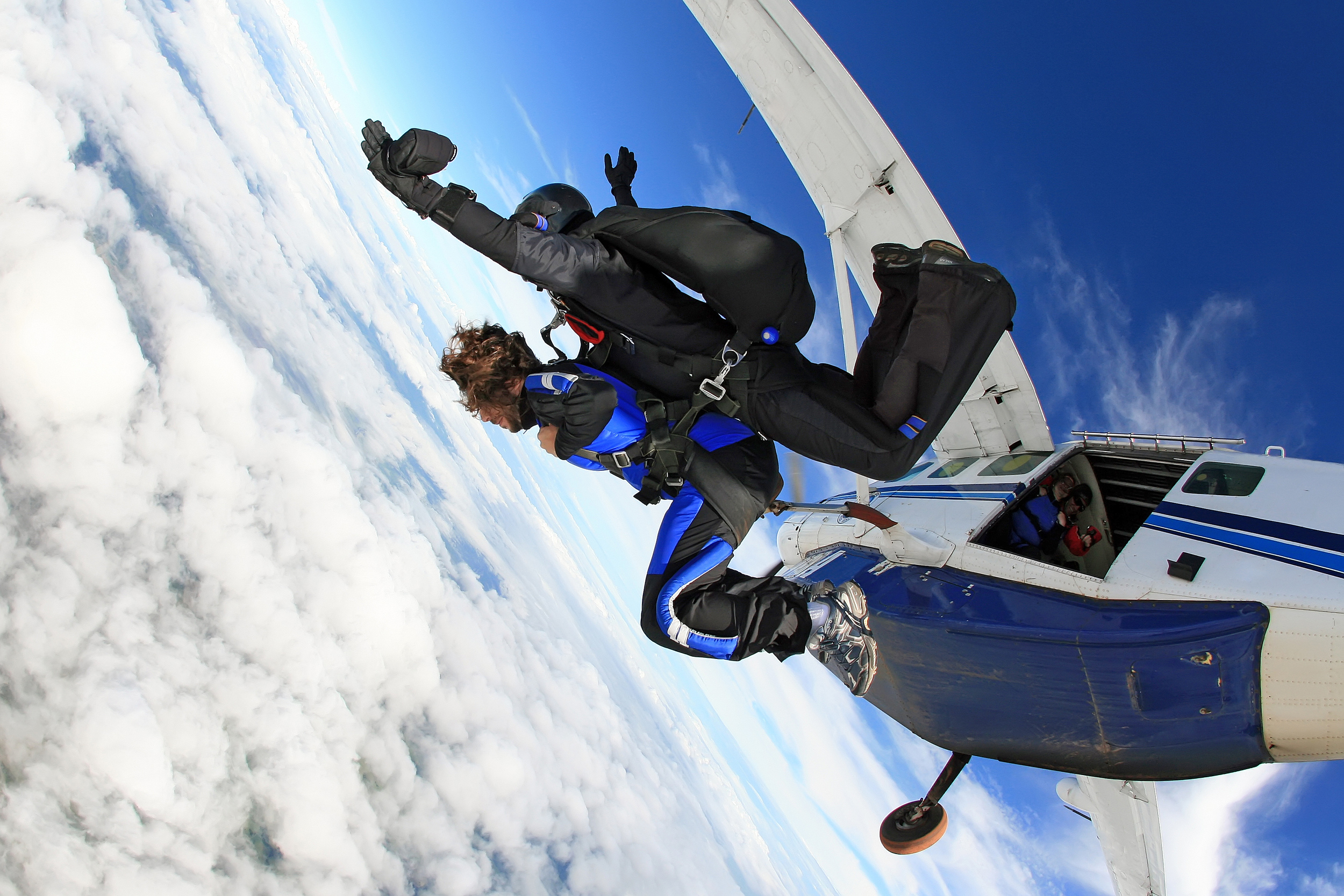 reasons to go skydiving