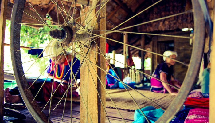 weaving baan tong luang village