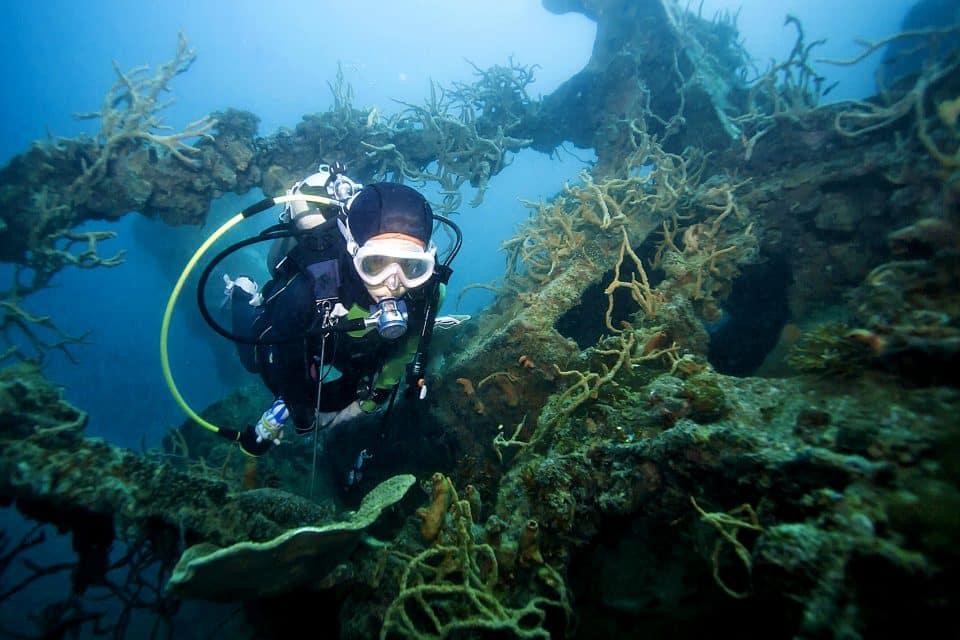 wreck dive palawan