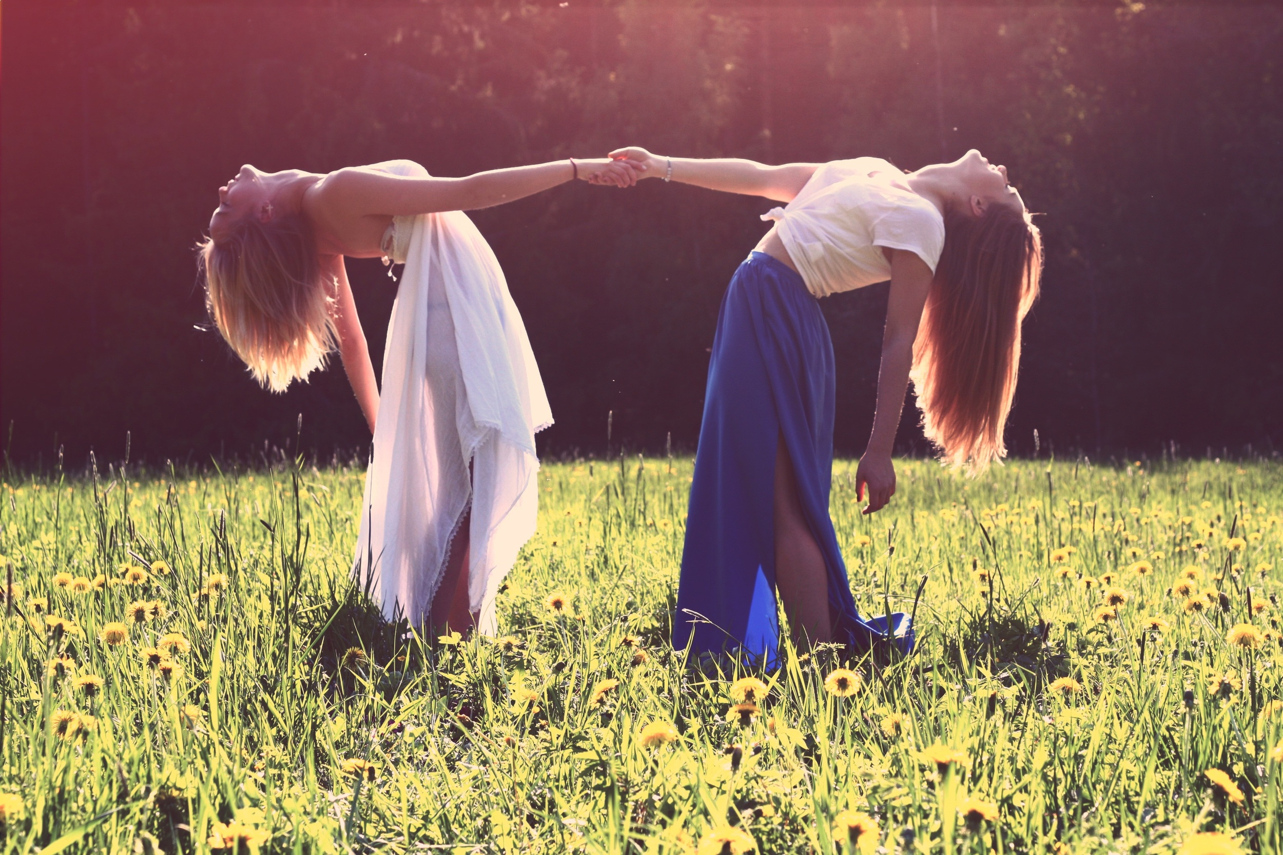 hippies two girls