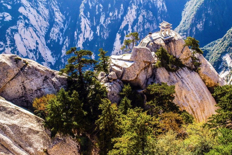 mount huashan china deadliest climb