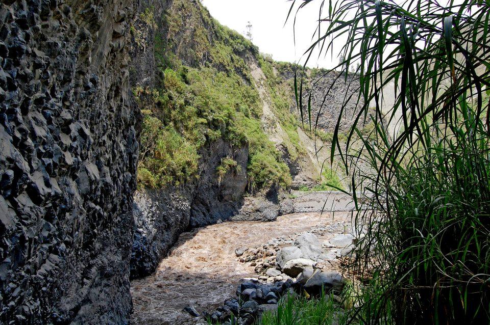 Banos Rock climbing view