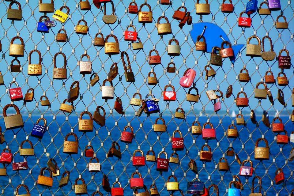 love travel locks