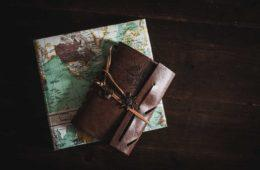 travel-gifts-lead