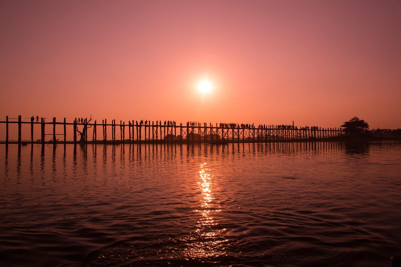 sunset u-bein bridge