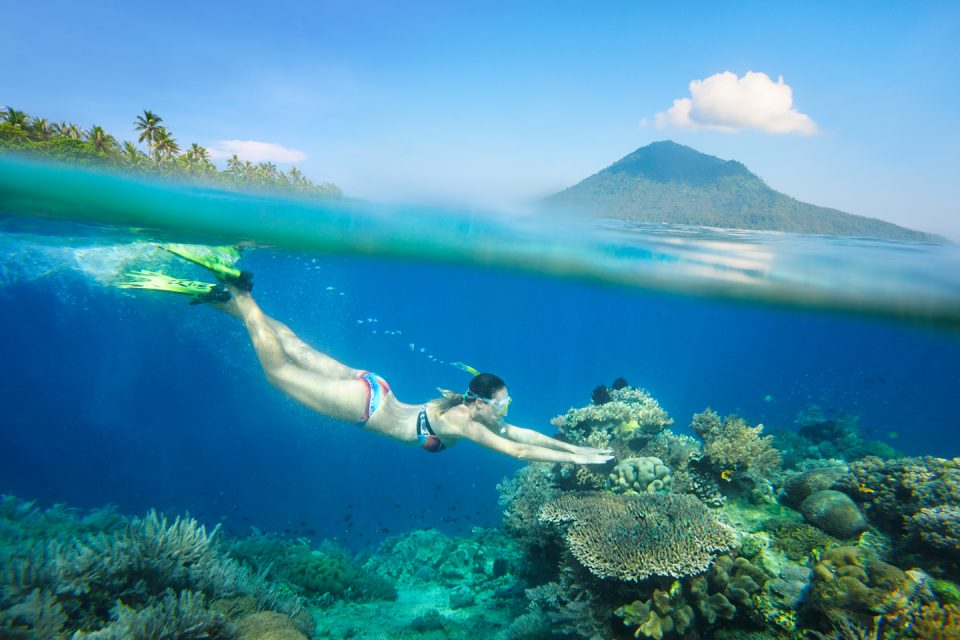 indo-diving-woman