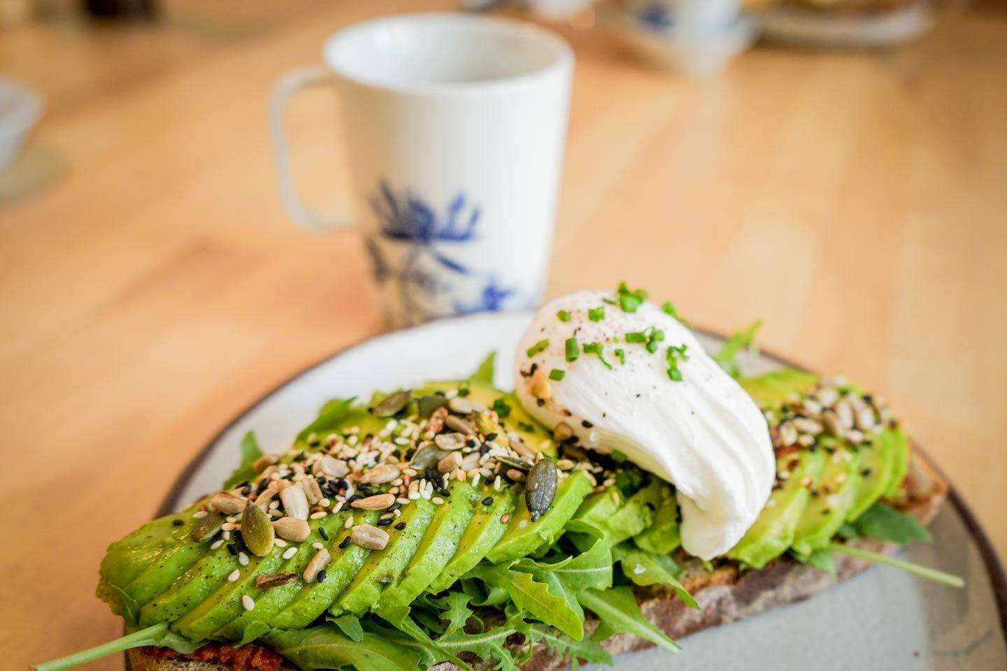 brunch avo toast