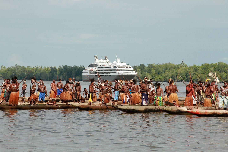 papua new guinea cruise