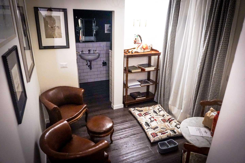 L'8Boutique-livingroom