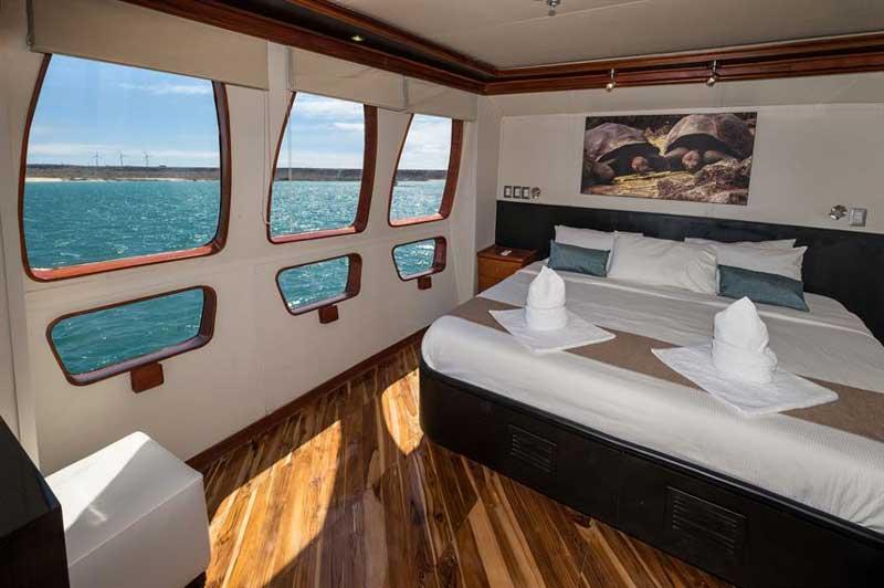 galapagos liveaboard boat