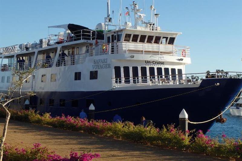 safari voyager boat