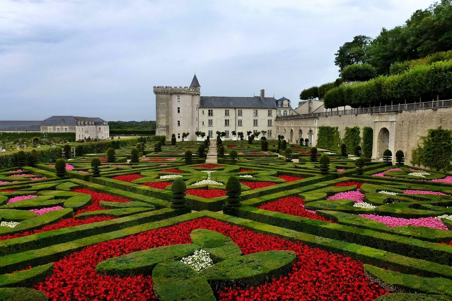 castle with huge gardens