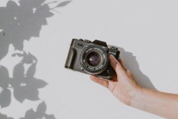 hand holding camera
