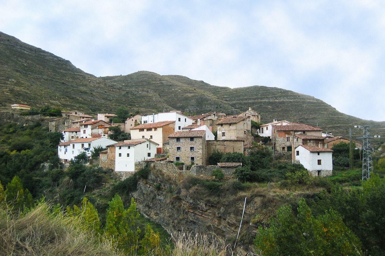 mountain homes in la rioja region spain